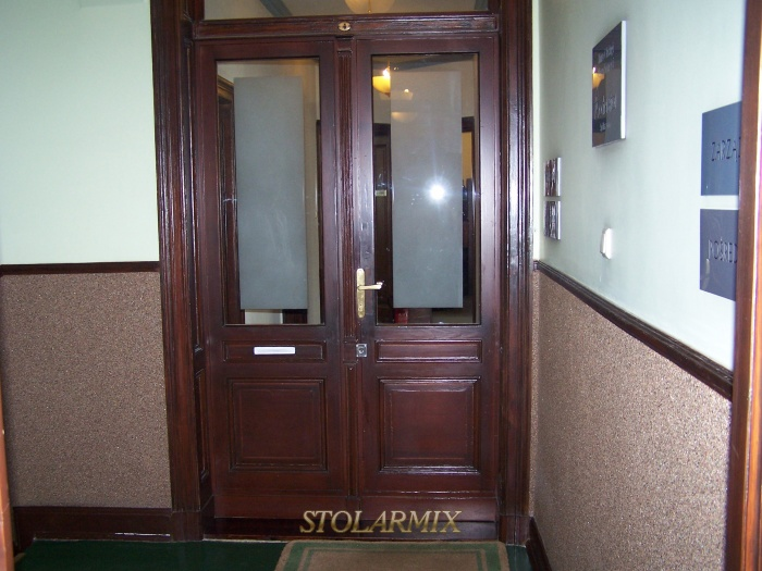 Drzwi zabytkowe wewnątrz lokalowe po renowacji.