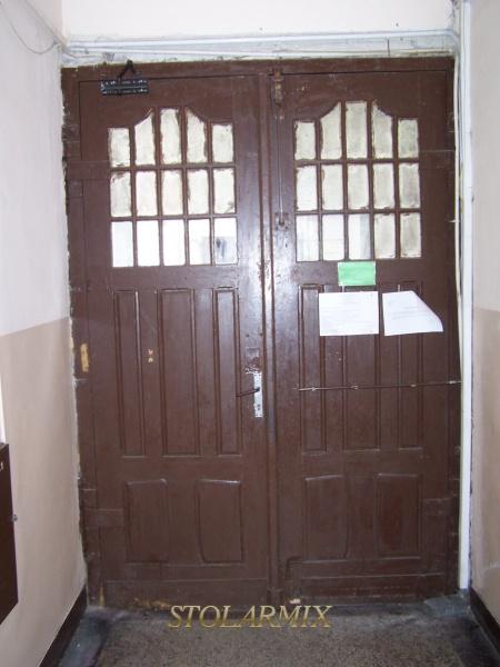 Zabytkowe drzwi propozycja wykorzystania do realizacji.