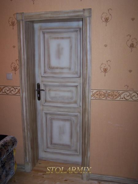 Drzwi współczesne w stylu retro.