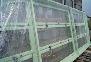 Okno skrzynkowe, jako wierna kopia oryginału. Wykonanie odbyło się wg zachowanych fragmentów starych okien.